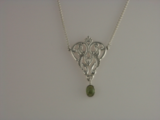 Silver peridot regal drop pendant b